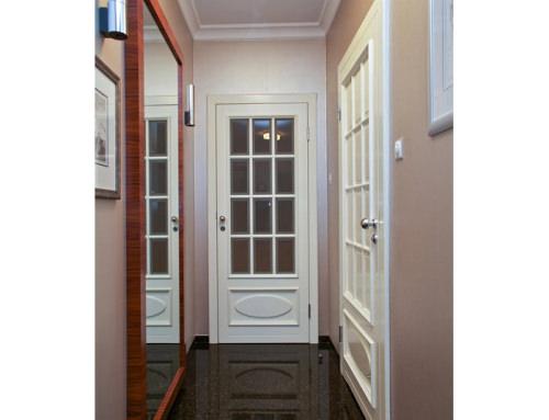 26. Białe sosnowe drzwi wewnętrzne