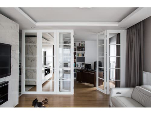 Nowoczesne wysokie drzwi do sufitu