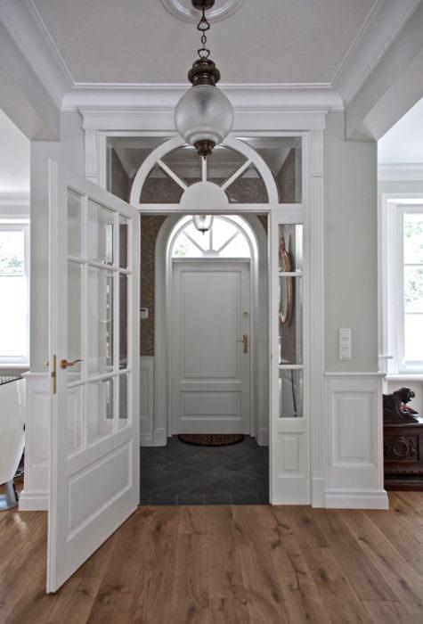 Drzwi przeszklone z doświetlami