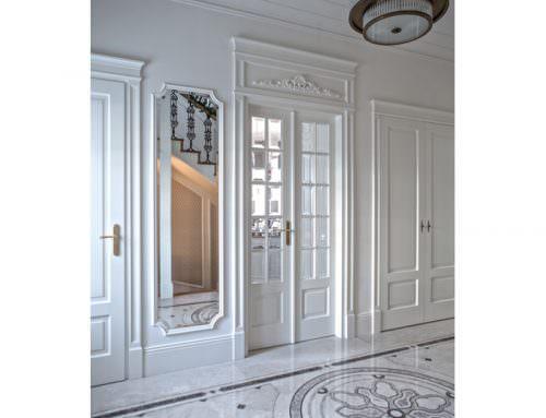 Klasyczne drzwi do rezydencji